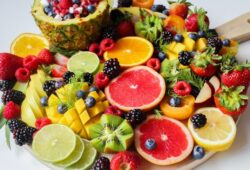 WHICH FRUITS HELPS TO LOSE WEIGHT